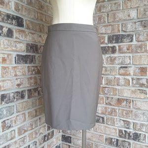 ANN TAYLOR Gray pencil skirt SZ 4